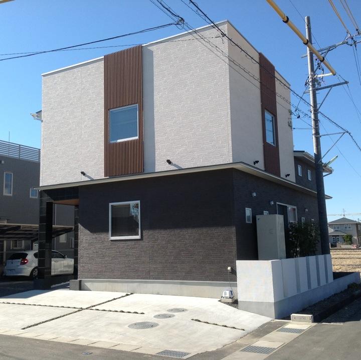 和モダンと耐震にこだわった二世帯専用住宅