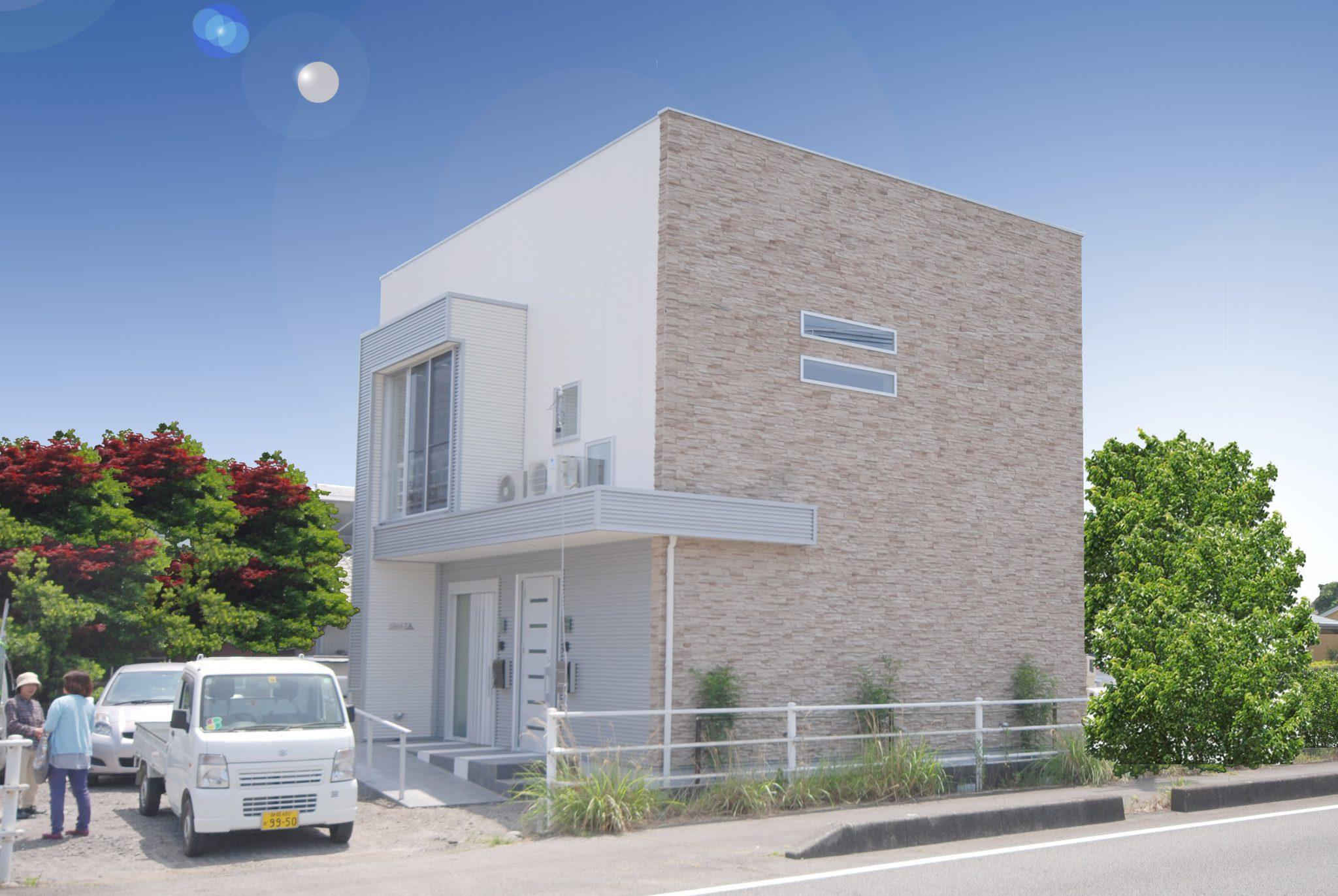 コストパフォーマンスを最大限に意識しながらもデザイン性と耐震性にこだわりを持った二世帯住宅